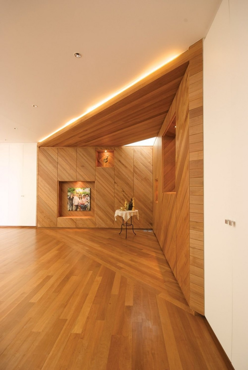 Illuminate Residence Baan Moom HallwayBuilt in Wooden Unit