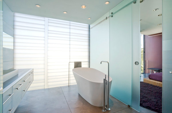 Minimalist Space and Glass Sliding Door Decorations