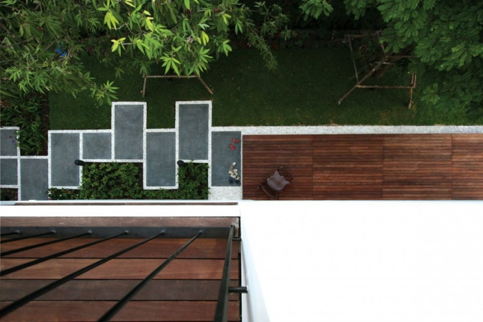 Wooden Deck Installed to Maximize Residence Baan Moom Exterior Area