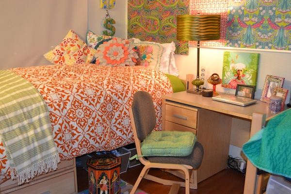 Creative dorm room decorating tips for Hall room decoration ideas