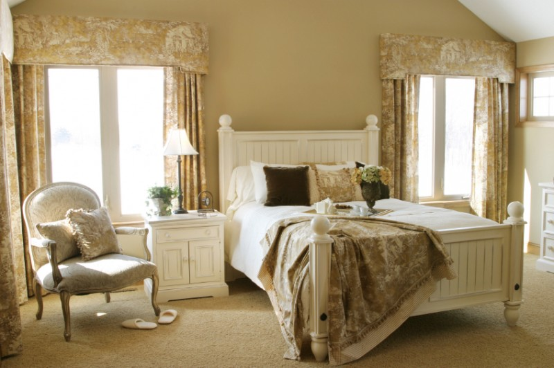 french country bedroom set. French Country Decorating for the Bedroom   CozyHouze com