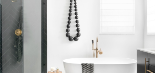Black and White Bathroom with Gold Accents [Source: https://pin.it:2zjAuKk]