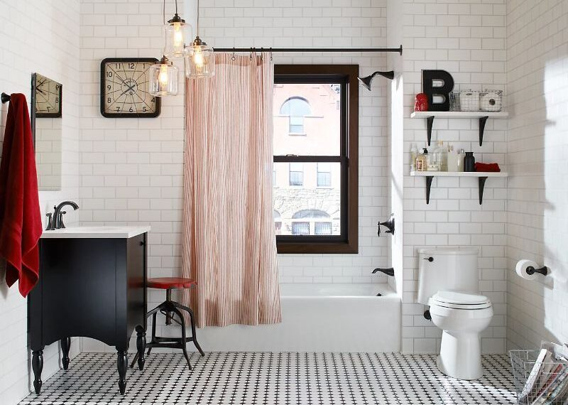 Eclectic Black and White Bathroom [Source: https://pin.it:1jEZTWe]