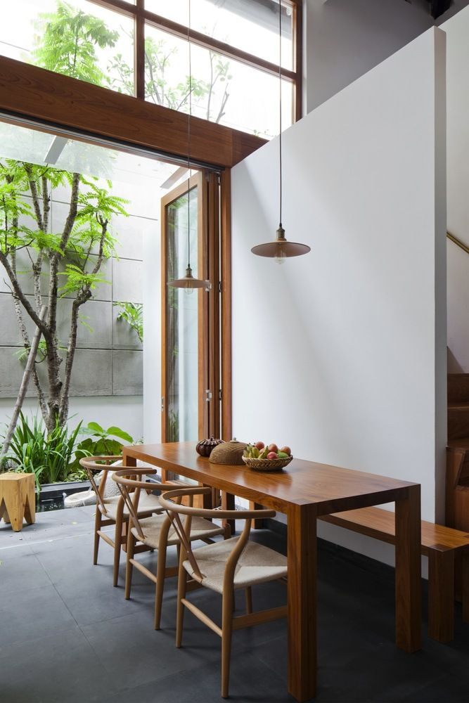 Wooden Dining Table and Chairs [Source: https://pin.it:4ofVDKu]